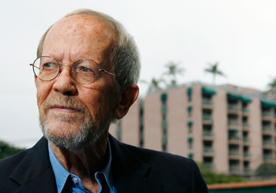 http://mysterypeople.files.wordpress.com/2012/01/elmore_leonard.jpg